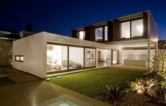 contoh rumah minimalis 2 lantai si momot