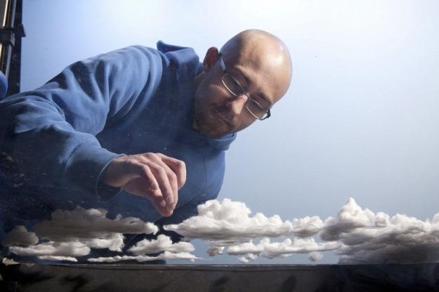 Diorama diatas terbuat dari bahan katun, Garam, gula masak, kertas timah, bulu & kanvas. Sedangkan untuk awannya menggunakan cotton ball.