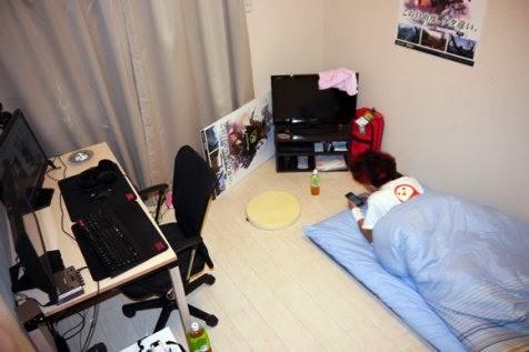 Ruangan apartemen miliknya yang tampak bersih dan rapih