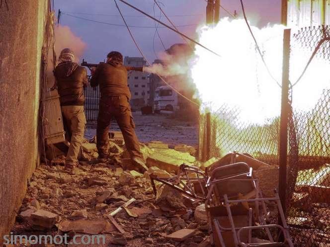... foto dramastis perang di Suriah ini memenangi World Press Phooto 2014