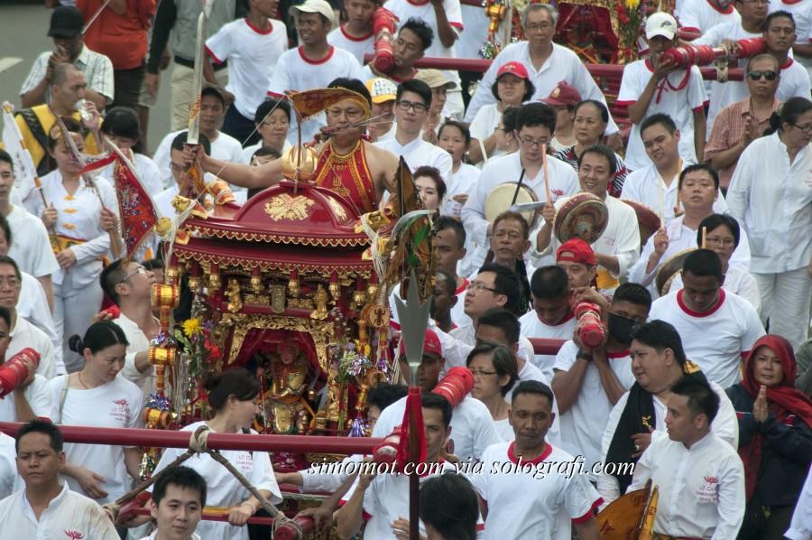 ... pawai Cap Go Meh di sepanjang Jalan Gajah Mada, Jakarta, Jumat (14/2
