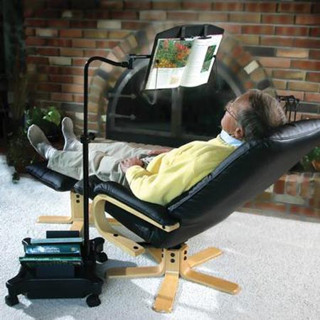 Penyangga buku untuk yang malas baca buku sambil duduk