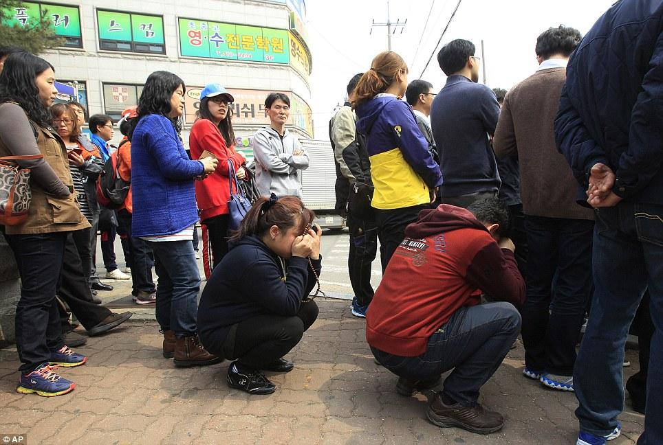 ... yang dibawa bus setelah diselamatkan dan dibawak kembali ke SMA Danwon
