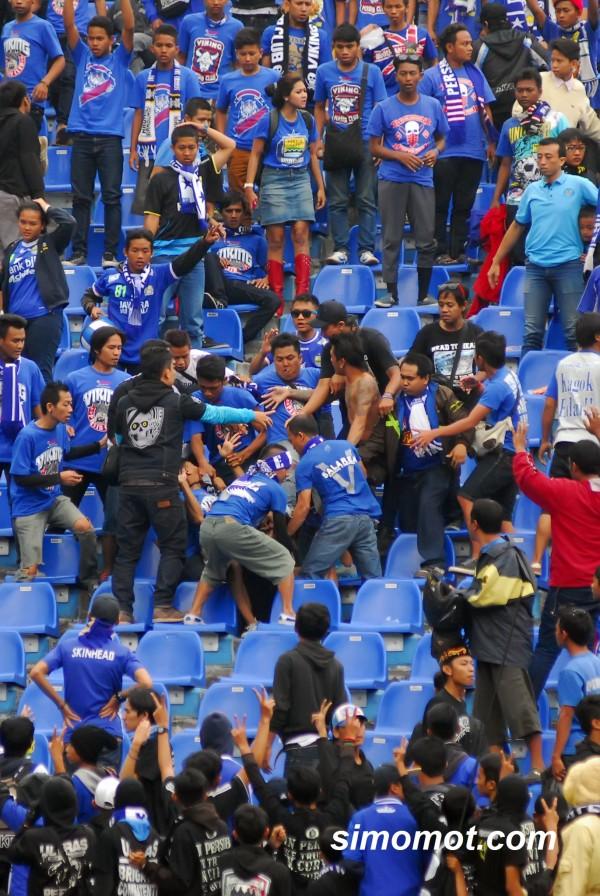 Oleh karenanya Iriawan berharap agar para pendukung Persib Bandung ...
