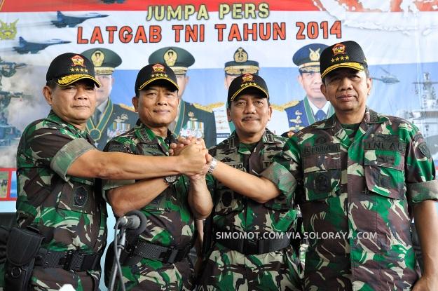 Kekuatan lengkap TNI: Foto-foto, struktur komando dan skenario Latgab 2014