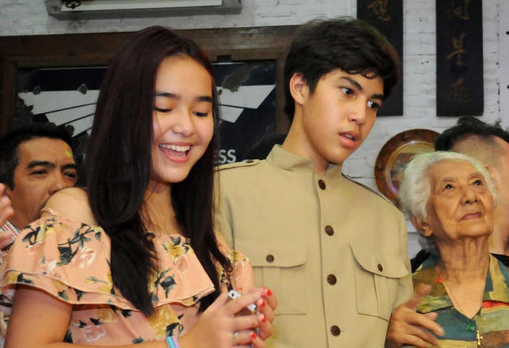 Foto El bersama Amanda Manopo saat rayakan Ultah ke-15. (Kapanlagi.com