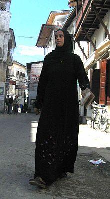 Seorang wanita mengenakan Hijab (wikipedia.org)