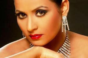 Dolly Sohi Pemeran Ratu Shaazia Adventures Of Hatim ANTV4