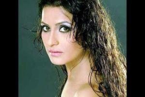 Dolly Sohi Pemeran Ratu Shaazia Adventures Of Hatim ANTV5