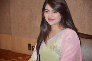 Foto Shafaq Naaz pemeran Kunti di Sinetron Mahabharata10
