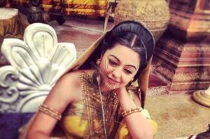Foto Shafaq Naaz pemeran Kunti di Sinetron Mahabharata3