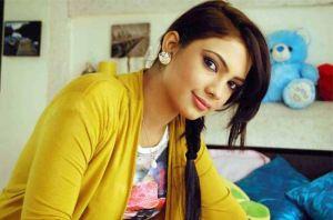 Pooja Banerjee Pemeran Perizaad Di The Adventures of Hatim ANTV