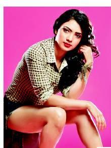 Pooja Banerjee Pemeran Perizaad Di The Adventures of Hatim ANTV4