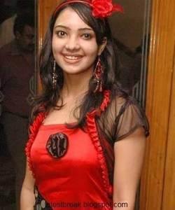 Pooja Banerjee Pemeran Perizaad Di The Adventures of Hatim ANTV5