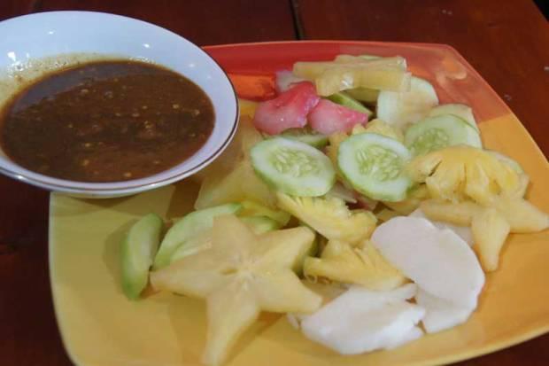Resep sambal kacang untuk bumbu rujak buah