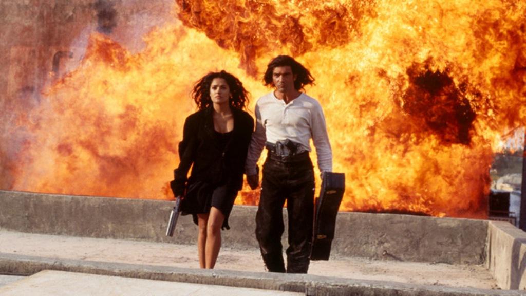 Salma Hayek dan Antonio Banderas dalam film Desperado. (IMBD)