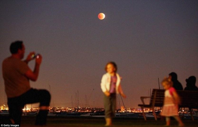 Gerhana Bulan Merah Total Amerika Serikat 1