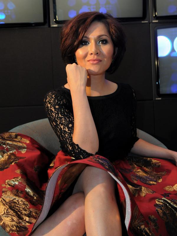 Foto foto seksi Solena Chaniago, transgender Indonesia yang mendunia