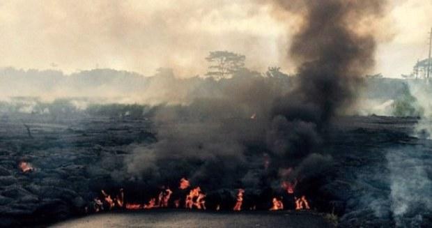 Lahar letusan Gunung Kilauea di Hawaii mengancam warga di Kota Pahoa. (Getty Images)