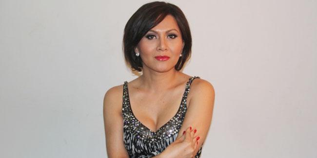 Foto Seksi Solena Chaniago, Transgender Asal Indonesia