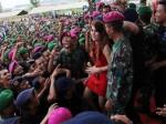 Bentrok TNI-Brimob di Batam didamaikan dengan aksi jogetrame-rame