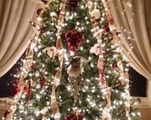 Foto contoh desain dan dekorasi pohon natal