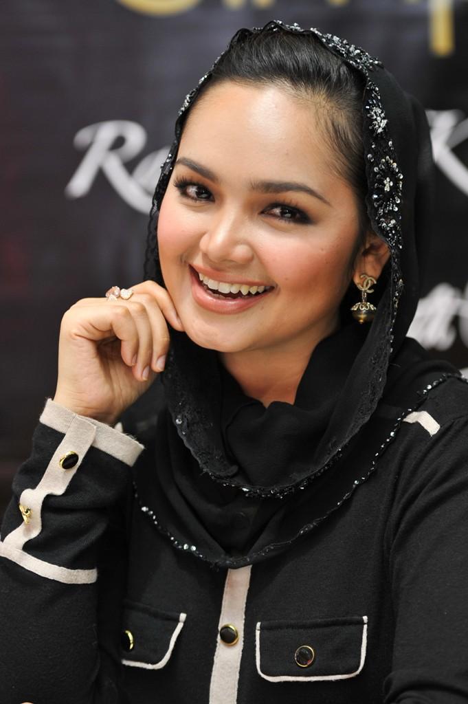 Siti Nurhaliza disebut wanita terkaya ketiga di Malaysia, benar ...