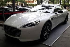 Salah satu model Aston Martin yang dijual di Indonesia (Foto: Pius/Okezone)