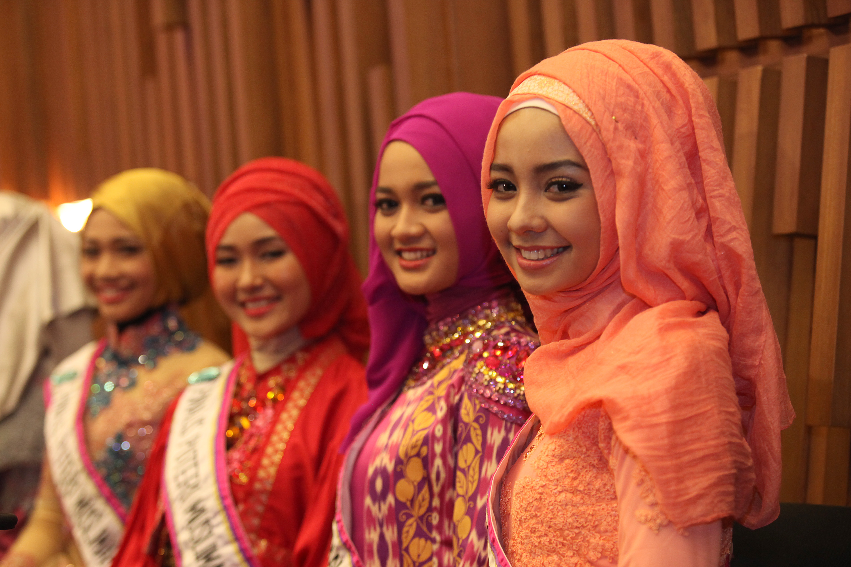 Foto Foto Puteri Muslimah Indonesia 2015 Lengkap Si Momot