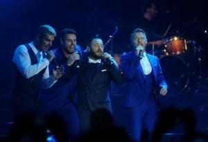 Boyband asal Irlandia, Boyzone tampil dalam konser bertajuk A Night Of Reunion With Boyzone di Istora Senayan, Jakarta, Jumat (22/5) malam. Boyband yang digawangi empat personel Keith Duffy, Shane Lynch, Ronan Keating, dan Michael Graham itu sempat populer di era 90-an. ANTARA FOTO/Agoes Rudianto
