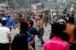 Warga terlibat kericuhan dengan petugas gabungan yang terdiri dari Kepolisian, Satpol PP dan TNI saat penggusuran bangunan di Kampung Pulo, Jakarta, Kamis (20/8). Penggusuran permukiman Kampung Pulo yang dilakukan oleh 2.200 personel gabungan untuk normalisasi Sungai Ciliwung itu berakhir rusuh. ANTARA FOTO/Wahyu Putro A